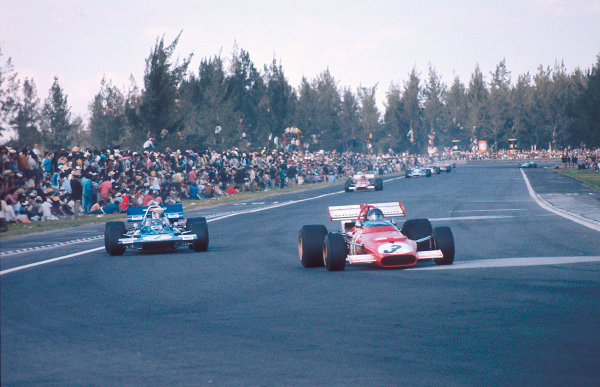 1970 Mexican Grand Prix.Mexico City, Mexico.23-25 October 1970.Jacky Ickx (Ferrari 312B) 1st position followed by Jackie Stewart (Tyrrell 001 Ford).Ref-70 MEX 51.World Copyright - LAT Photographic