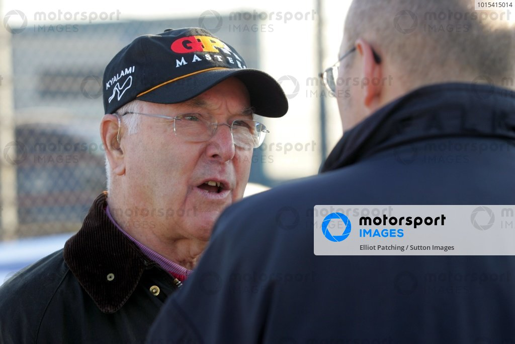 Murray Walker (GBR). Grand Prix Masters Testing, Day One, Silverstone, England, 27 October 2005. DIGITAL IMAGE