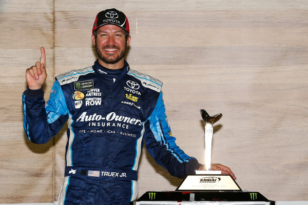 Monster Energy NASCAR Cup Series Go Bowling 400 Kansas Speedway, Kansas City, KS USA Sunday 14 May 2017 Martin Truex Jr, Furniture Row Racing, Auto-Owners Insurance Toyota Camry celebrates in victory lane  World Copyright: Russell LaBounty LAT Images ref: Digital Image 17KAN1rl_7914
