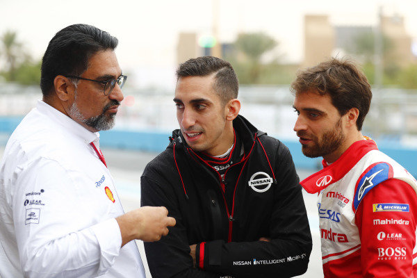 Dilbagh Gill, CEO and Team Principal, Mahindra Racing, with Sébastien Buemi (CHE), Nissan e.Dams, and Jérôme d'Ambrosio (BEL), Mahindra Racing