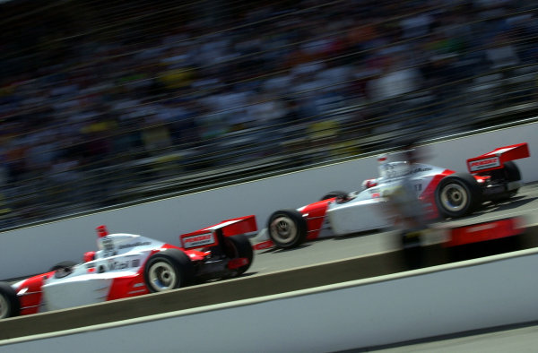 Team Penske at play in Indianapolis: Helio Castroneves (L) and Gil de Ferran.