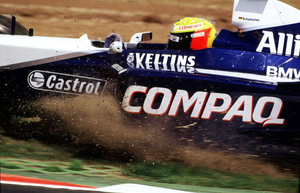 2001 Spanish Grand PrixCatalunya, Barcelona, Spain. 27-29 April 2001.Ralf Schumacher (Williams FW23 BMW) spins off into the gravel and out of the race.World Copyright: LAT Photographicref: 35mm Image