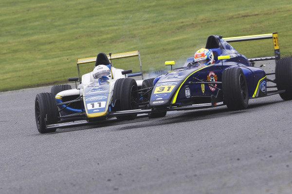Zane Maloney (BRB) Carlin British F4 and Luke Browning (GBR) Richardson Racing British F4