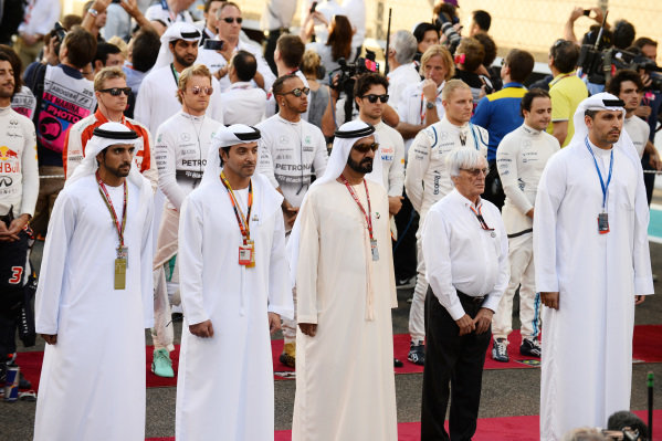 Bernie Ecclestone (GBR) CEO Formula One Group (FOM) and VIP's at the grid presentation at Formula One World Championship, Rd19, Abu Dhabi Grand Prix, Race, Yas Marina Circuit, Abu Dhabi, UAE, Sunday 29 November 2015.