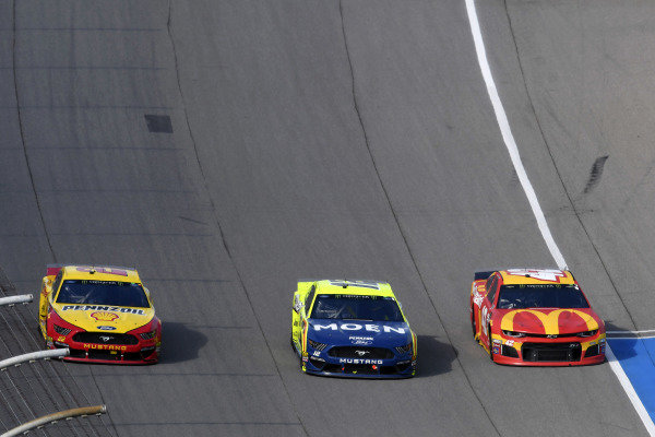 #22: Joey Logano, Team Penske, Ford Mustang Shell Pennzoil, #12: Ryan Blaney, Team Penske, Ford Mustang Menards/Moen and #42: Kyle Larson, Chip Ganassi Racing, Chevrolet Camaro McDonald's