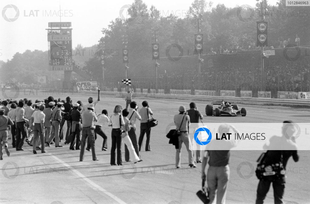 1977 Italian Grand Prix.Monza, Italy. 9-11 September 1977.Mario Andretti (Lotus 78 Ford), 1st position. Ref-10447 #10A.World Copyright - LAT Photographic
