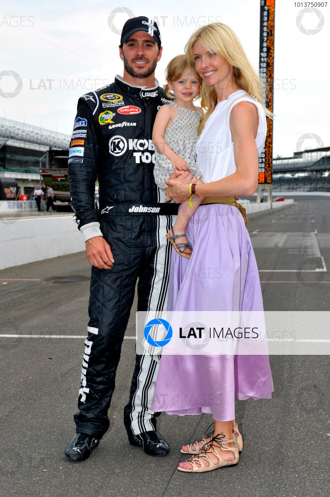 28-29 July, 2012, Indianapolis, Indiana USAJimmie Johnson and family(c)2012, LAT SouthLAT Photo USA