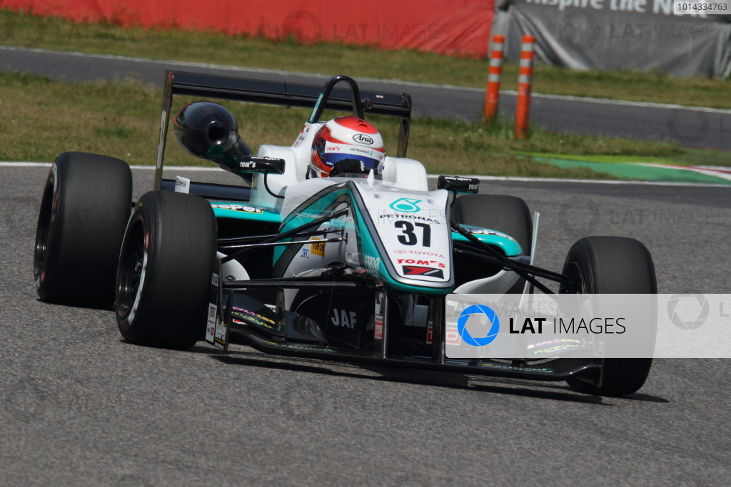 2015 Japanese Formula 3 Championship. Suzuka, Japan. 18th - 19th April 2015. Rd 1 & 2. Rd.2 Winner Nick Cassidy ( #37 PETRONAS TOM'S F314 ) action World Copyright: Yasushi Ishihara/LAT Photographic. Ref: 2015JF3_Rd1&2_009