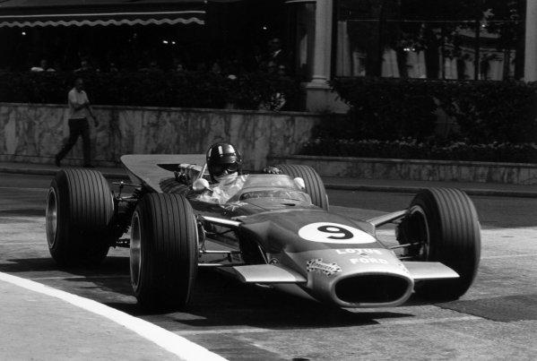 1968 Monaco Grand Prix.Monte Carlo, Monaco. 26 May 1968.Graham Hill, Lotus 49B-Ford, 1st position, action.World Copyright: LAT PhotographicRef: 2003 #00