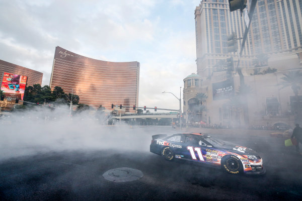 3-5 December, 2014, Las Vegas, Nevada USA Denny Hamlin Burnout ©2014, Michael L. Levitt LAT Photo USA