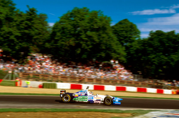 Imola, Italy.3-5 May 1996.Gerhard Berger (Benetton B196 Renault) 3rd position.Ref-96 SM 20.World Copyright - LAT Photographic