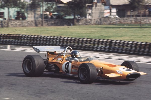 1970 Mexican Grand Prix.Mexico City, Mexico.23-25 October 1970.Peter Gethin (McLaren M14A Ford).Ref-70 MEX 44.World Copyright - LAT Photographic