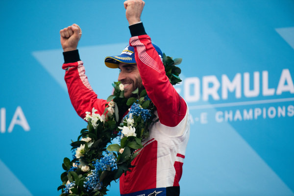 Jérôme d'Ambrosio (BEL), Mahindra Racing celebrates 3rd position on the podium