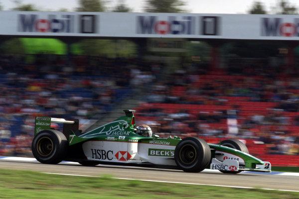 2000 German Grand Prix.Hockenheim, Germany.28-30 July 2000.Eddie Irvine (Jaguar R1).World Copyright - Lawrence/LAT Photographicref: 5mb digital Race