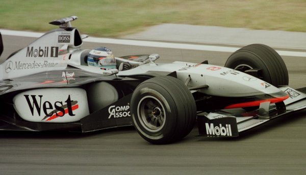 1998 Hungarian Grand Prix.Hungaroring, Budapest, Hungary.14-16 August 1998.Mika Hakkinen (McLaren MP4/13 Mercedes-Benz).World Copyright - Steve Etherington/LAT Photographic