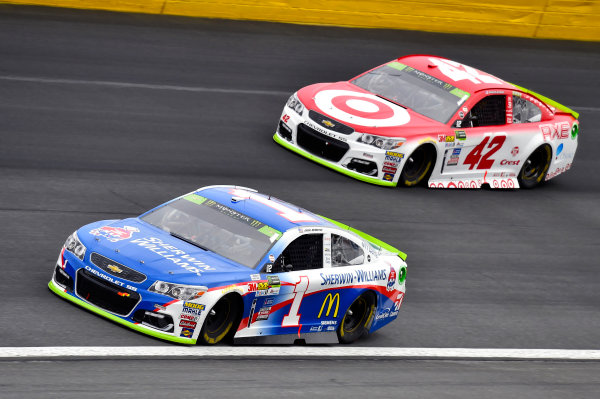 Monster Energy NASCAR Cup Series Bank of America 500 Charlotte Motor Speedway, Concord, NC USA Sunday 8 October 2017 Jamie McMurray, Chip Ganassi Racing, Sherwin-Williams Chevrolet SS and Kyle Larson, Chip Ganassi Racing, Target Chevrolet SS World Copyright: Nigel Kinrade LAT Images