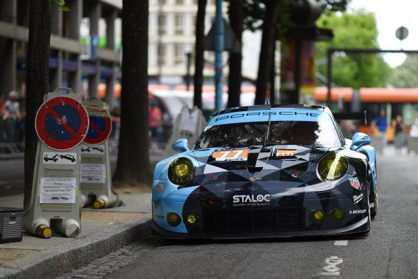 2017 Le Mans 24 Hours Circuit de la Sarthe, Le Mans, France. Sunday 11 June 2017 #77 Dempsey Proton Competition Porsche 911 RSR: Christian Ried, Matteo Cairoli, Marvin Dienst World Copyright: Rainier Ehrhardt/LAT Images ref: Digital Image 24LM-re-0636