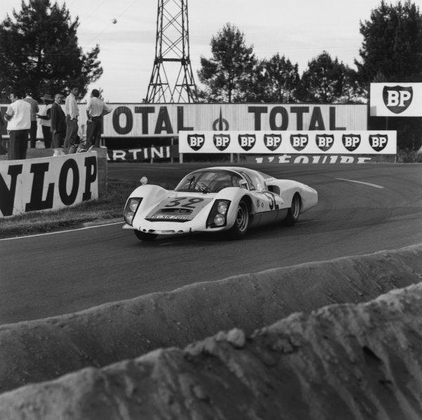 Le Mans, France. 18 - 19 June 1966.Udo Schutz/Piet de Klerk (Porsche 906/6LH), 6th position, action. World Copyright: LAT Photographic.Ref: 35053.