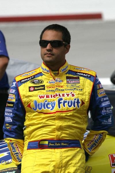 Juan Pablo Montoya (COL) Slim Pack Juicy Fruit Dodge. Sharpie 500, Bristol Motor Speedway, Tennessee, USA, 22-24 August 2008.