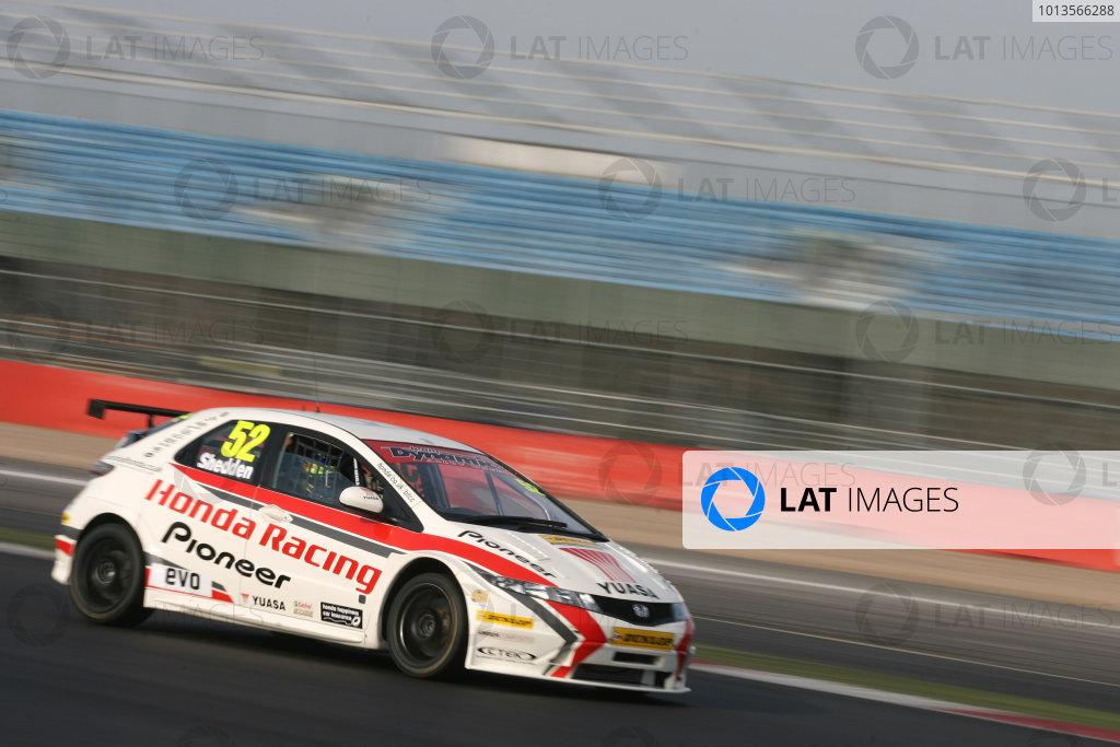 Silverstone, 24th March 2011Gordon Shedden (GBR) Honda Racing Honda CivicWorld Copyright: Ebrey/LAT Photographic