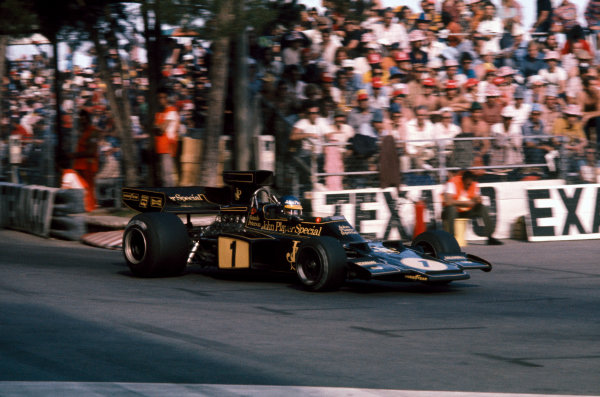 Monte Carlo, Monaco. 23 - 26 May 1974. Ronnie Peterson (Lotus 72E-Ford),1st position, action.  World Copyright: LAT Photographic. Ref: 74MON43