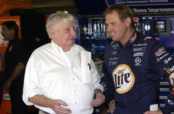 2002 NASCAR,New Hampshire Intl. Speedway,Sept 13-15, 2002 NASCAR, Loudon,NH . USA -Rusty Wallace talking with Bob Bahre, the owner of the NHIS trackCopyright-Robt LeSieur2002LAT Photographic