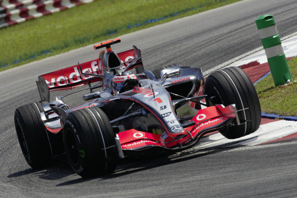 Fernando Alonso, McLaren MP4-22 Mercedes.