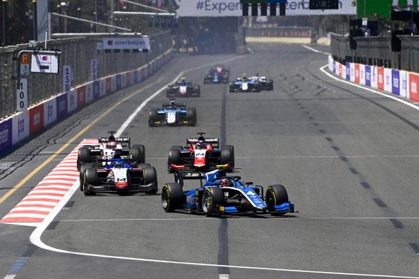 Felipe Drugovich (BRA, Uni-Virtuosi) and David Beckmann (DEU, Charouz Racing System)