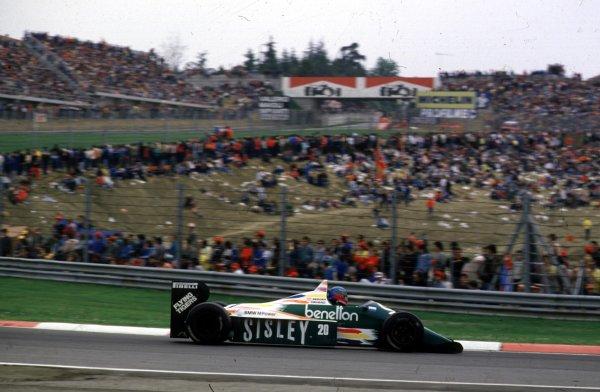1986 San Marino Grand Prix.Imola, Italy.25-27 April 1986.Gerhard Berger (Benetton B186 BMW) 3rd position.World Copyright - LAT Photographic