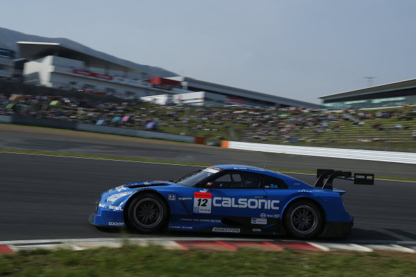 2014 Japanese Super GT Series. Fuji, Japan. 3rd - 4th May 2014. Rd 2. GT500 Winner Hironobu Yasuda & J.P.L.De Oliveira ( #12 CALSONIC IMPUL GT-R ) action World Copyright: Yasushi Ishihara / LAT Photographic. Ref: 2014SGT_Rd2_005.JPG