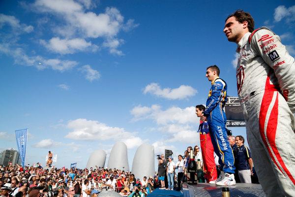 FIA Formula E Championship 2015/16. Julius Baer Punta Del Este ePrix, Punta Del Este, Uruguay. Race. Sebastien Buemi (SUI), Renault e.Dams Z.E.15, Jerome D'Ambrosio (FRA) Dragon Racing - Venturi VM200-FE-01, Lucas Di Grassi (BRA), ABT Audi Sport FE01. Punta Del Este, Uruguay, South America. Saturday 19 December 2015 Photo: Adam Warner / LAT/FE ref: Digital Image _L5R2437