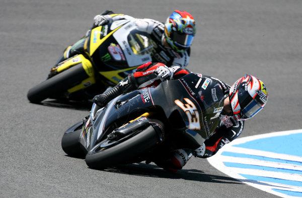 Jerez,Spain.1st - 3rd May 2009.Marco Melandri Hayate Racing Team battles with Colin Edwards Monster Yamaha Tech 3World Copyright: Martin Heath/LAT Photographic.ref: BPI_Moto 816g