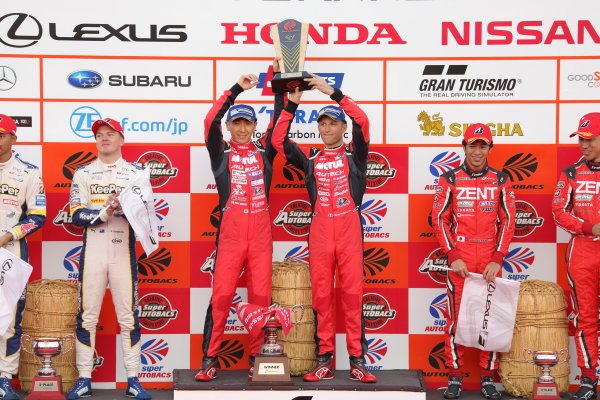 2017 Japanese Super GT Series. Motegi, Japan.  11th - 12th November 2017. Rd 8. GT500 Winner Tsugio Matsuda & Ronnie Quintarelli ( #23  MOTUL AUTECH GT-R ) 2nd position Ryo Hirakawa & Nick Cassidy ( #37  KeePer TOM'S LC500 ) 3rd position Yuji Tachikawa & Hiroaki Ishiura ( #38 ZENT CERUMO LC500 ) podium portrait World Copyright: Yasushi Ishihara/LAT Images ref: Digital Image 2017_SGT_Rd8_006