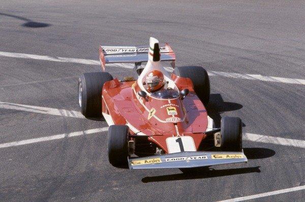 Long Beach, California, USA. 26th - 28th March 1976.Niki Lauda (Ferrari 312T), 2nd position.World Copyright: LAT Photographic.ref: 35mm Transparency