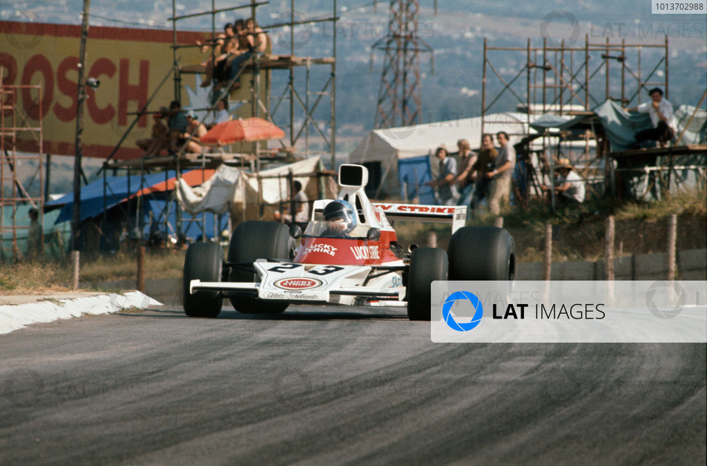 Kyalami, South Africa. 30 March 1974.Dave Charlton (McLaren M23-Ford), 19th position, action. World Copyright: LAT Photographic.Ref:  74SA