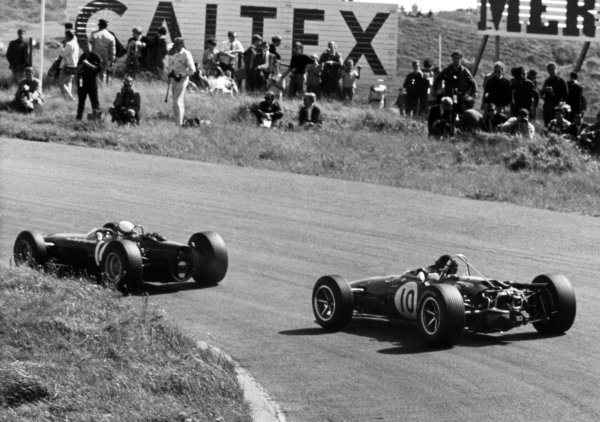 1966 Dutch Grand Prix.Zandvoort, Holland. 24 July 1966.Jackie Stewart, BRM P261, 4th position, leads Dan Gurney, Eagle AAR101-Climax, retired, action.World Copyright: LAT Photographic