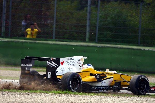 Simon Trummer (SUI), Iris Project, has an off track excursion.International Formula Master, Rd8, Imola, San Marino, Italy, 20 September 2009.