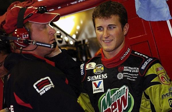 Second placed Kasey Kahne (USA) Evernham Motorsports Dodge Dealers / UAW Dodge (Right) chats with Crew Chief Tommy Baldwin (USA) (Left).