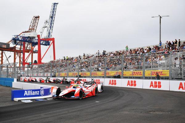 Alexander Sims (GBR), Mahindra Racing, M7Electro, leads Joel Eriksson (SWE), Dragon Penske Autosport, Penske EV-5