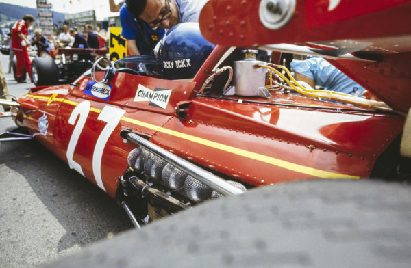 Jacky Ickx, Ferrari 312B on the grid.