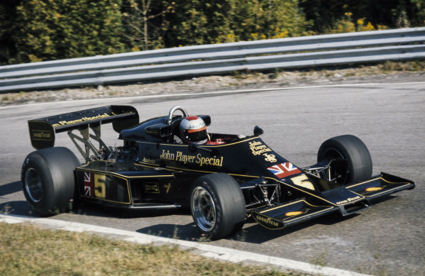 Mario Andretti, Lotus 77 Ford.
