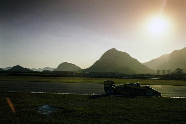 Alessandro Nannini, Minardi M187 Motori Moderni.