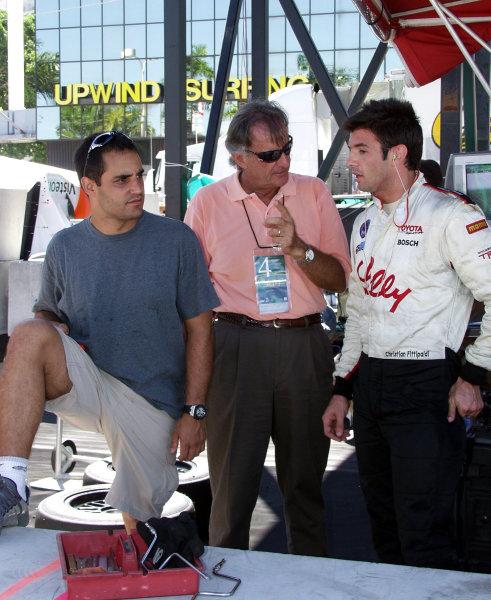2002 Miami CART, 6 October, 2002, Miami, Florida, USA.Juan Pablo Montoya joins Wilson Fittipaldi in Christian Fittipaldi's pit-2002, Lesley Ann Miller, USALAT Photographic