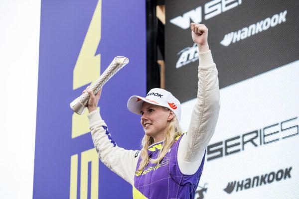 Beitske Visser (NLD) celebrates on the podium with the trophy