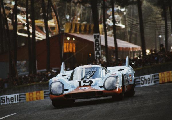 Richard Attwood / Herbert Müller, J. W. Automotive Engineering, Porsche 917K.