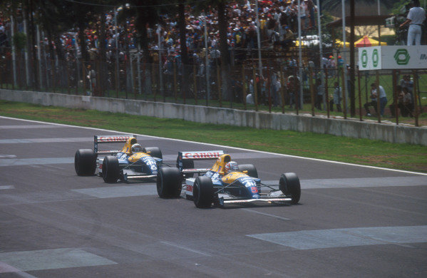 1991 Mexican Grand Prix.Mexico City, Mexico.14-16 June 1991.Nigel Mansell battles with teammate Riccardo Patrese (both Williams FW14 Renault's). They finished in 2nd and 1st positions respectivelyRef-91 MEX 11.World Copyright - LAT Photographic