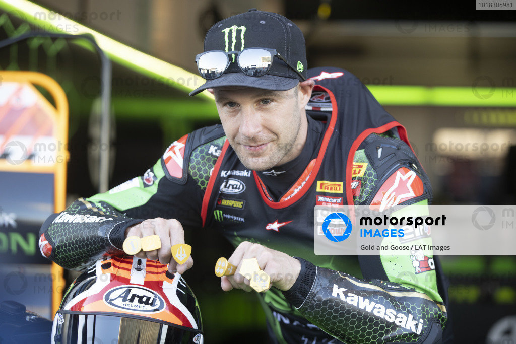 Jonathan Rea, Kawasaki Racing Team celebrates his sixth World Championship, with six gold rings.