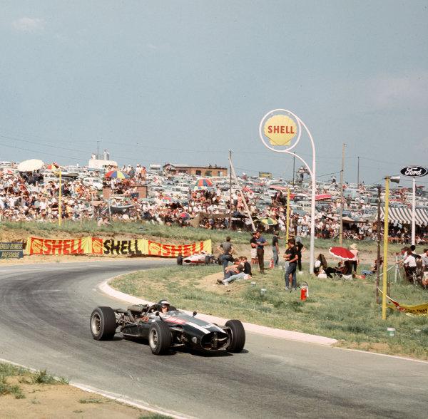 Kyalami, South Africa.31/12/66-2/1/1967.Jochen Rindt (Cooper T81 Maserati).Ref-3/2504.World Copyright - LAT Photographic