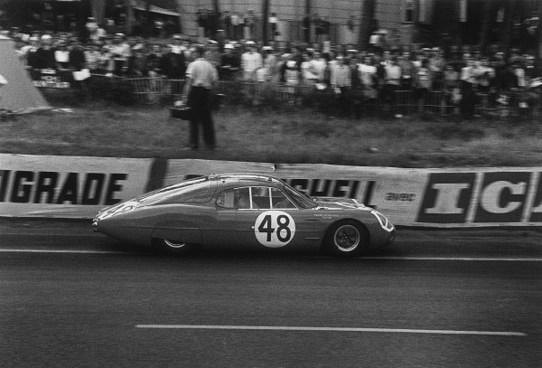 Le Mans, France. 15th - 16th June 1963 Jose Rosinski/Christian Heins (Alpine M63 Renault), retired, action. World Copyright: LAT Photographic Ref:  10451O - 31A.