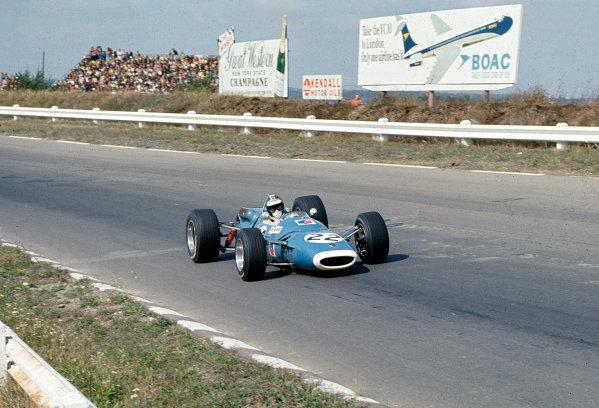 1967 United States Grand Prix.Watkins Glen, New York, USA.30/9-1/10 1967.Jean-Pierre Beltoise (Matra MS7 Ford) 7th position.Ref-35mm 67 USA 07.World Copyright - LAT Photographic